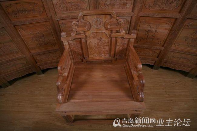 到清朝开始,紫檀家具几乎为宫廷所垄断图片
