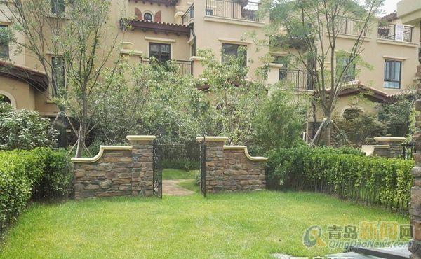 4层的复试别墅 送一个80平的大院子