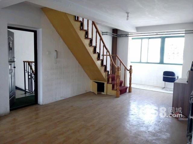 金水路金秋小区4室2厅150平米精装修半年付