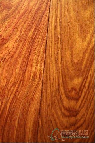 欧式花梨板木工做的床头效果图