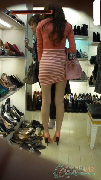 台东温莎买鞋的美女请提好你的裙!图