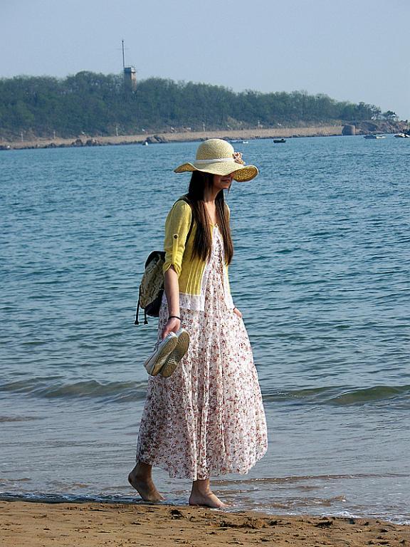 海边美女如云