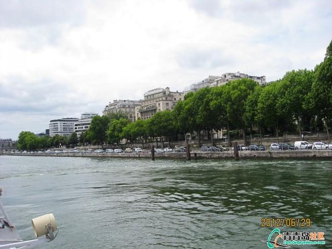 巴黎塞纳河游船 高清图片