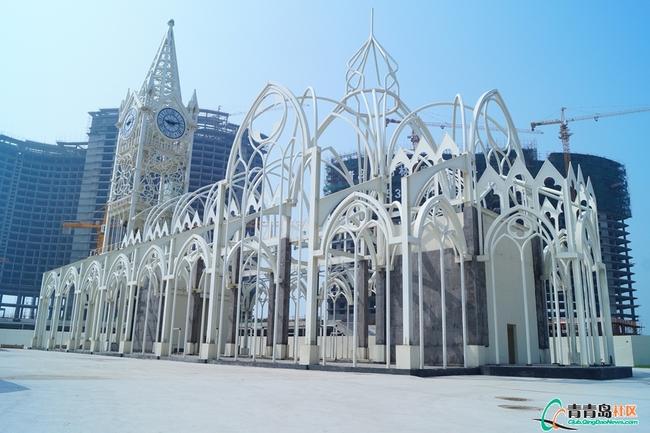 白色哥特式婚礼教堂