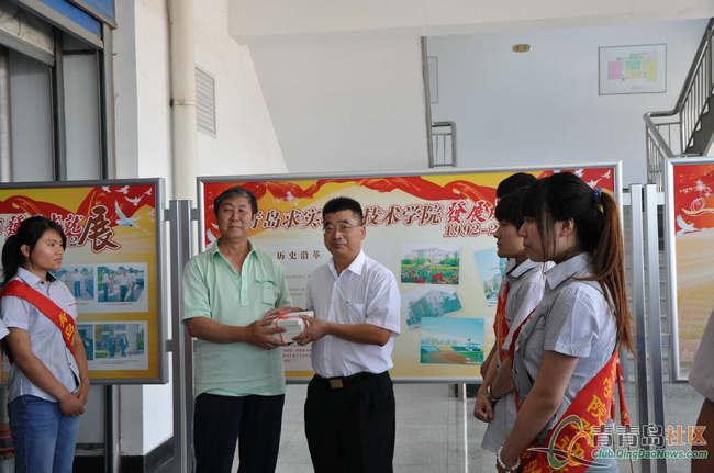 书香满校园——青岛求实职业技术学院赠书活动纪实
