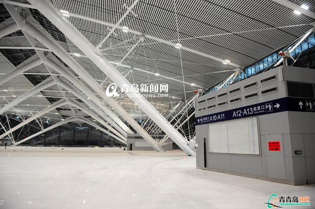 原创高清大图 青岛火车北站启用 首列火车今停靠