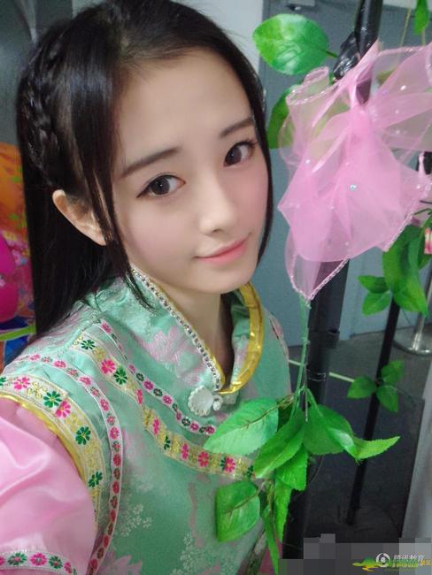 中国4000年第一美女诞生 鞠婧祎系高中生(图)