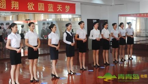 10月12日,东航武汉公司今年首次 站姿、走姿、形体、仪表等是空乘